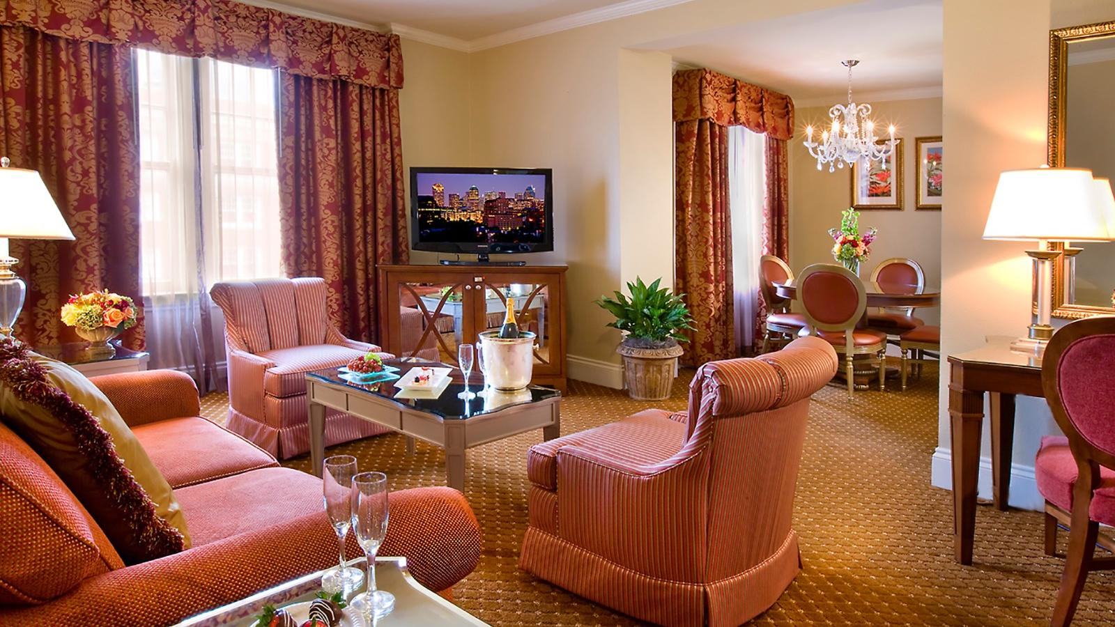 Deluxe Suite at Warwick Melrose Dallas