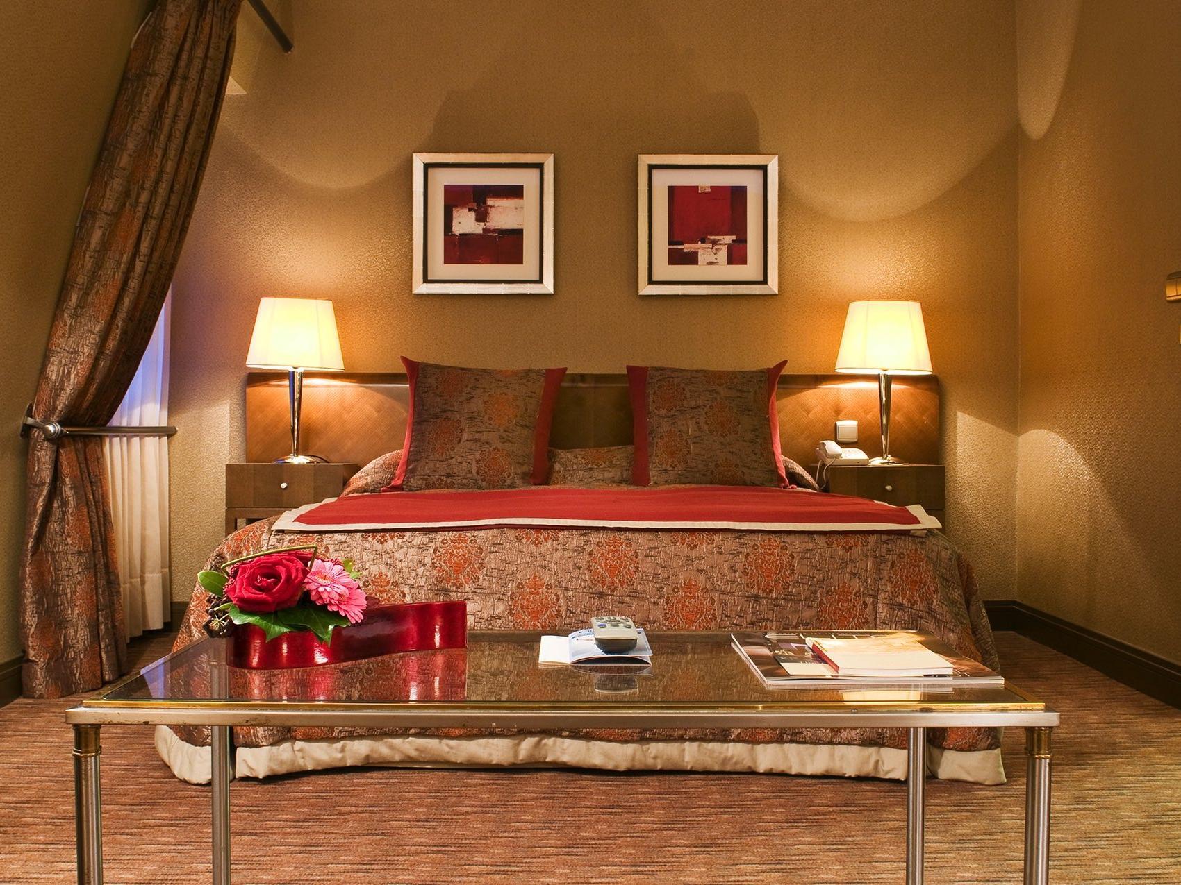 Premium Deluxe Bedroom