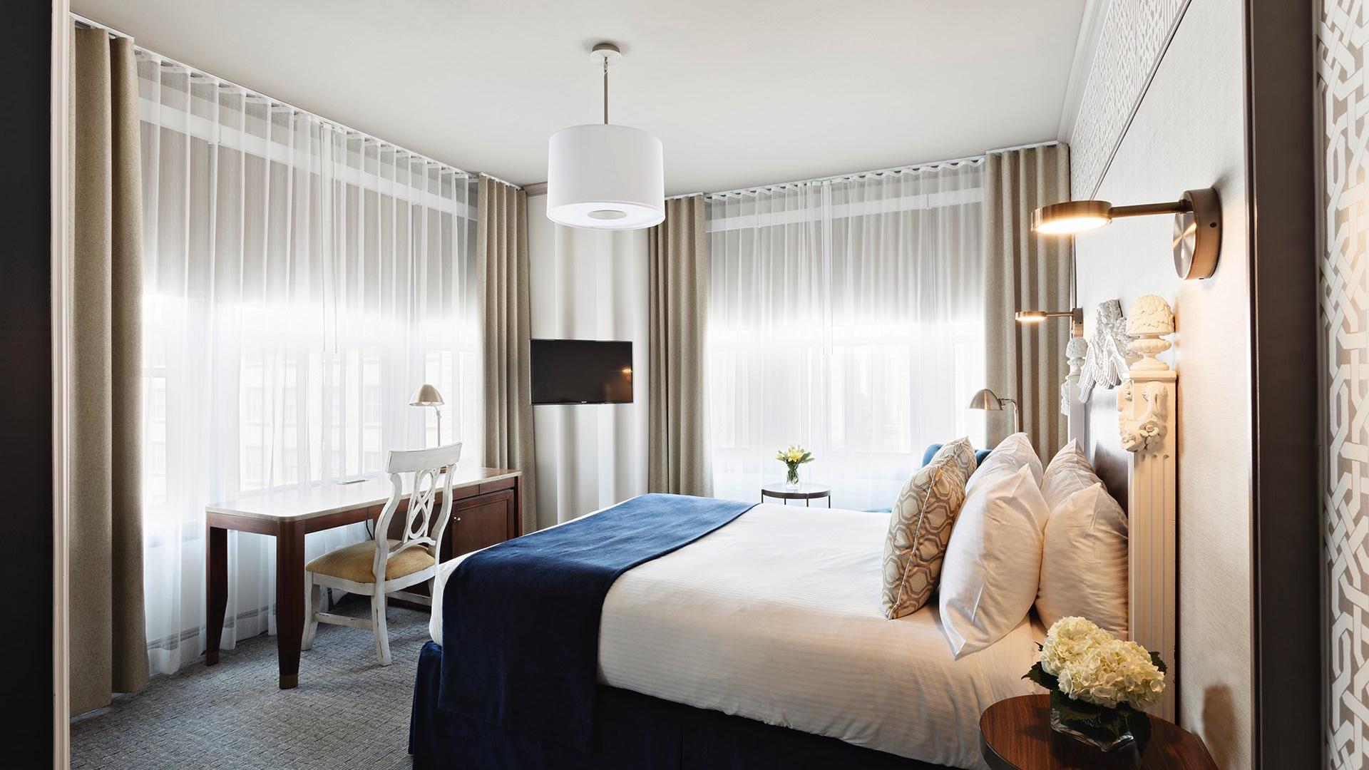 Corner Deluxe Room offer details
