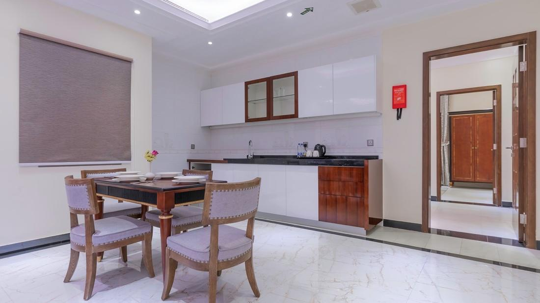 Grand Suite Kitchenette and Dining area