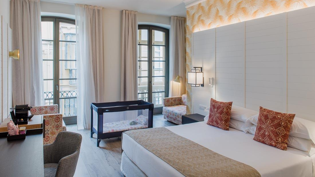 Hotel Molina Lario Family Room