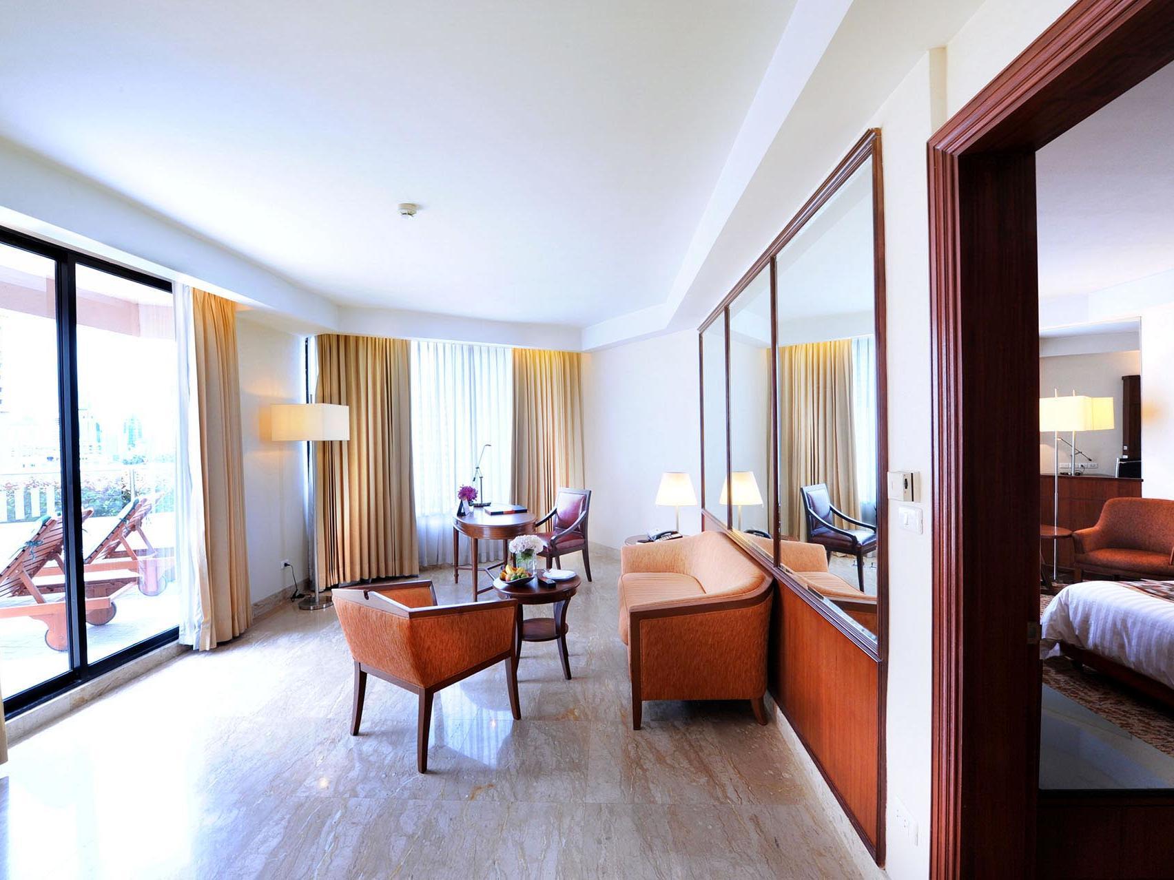Rembrandt Hotel Bangkok Terrace Suite