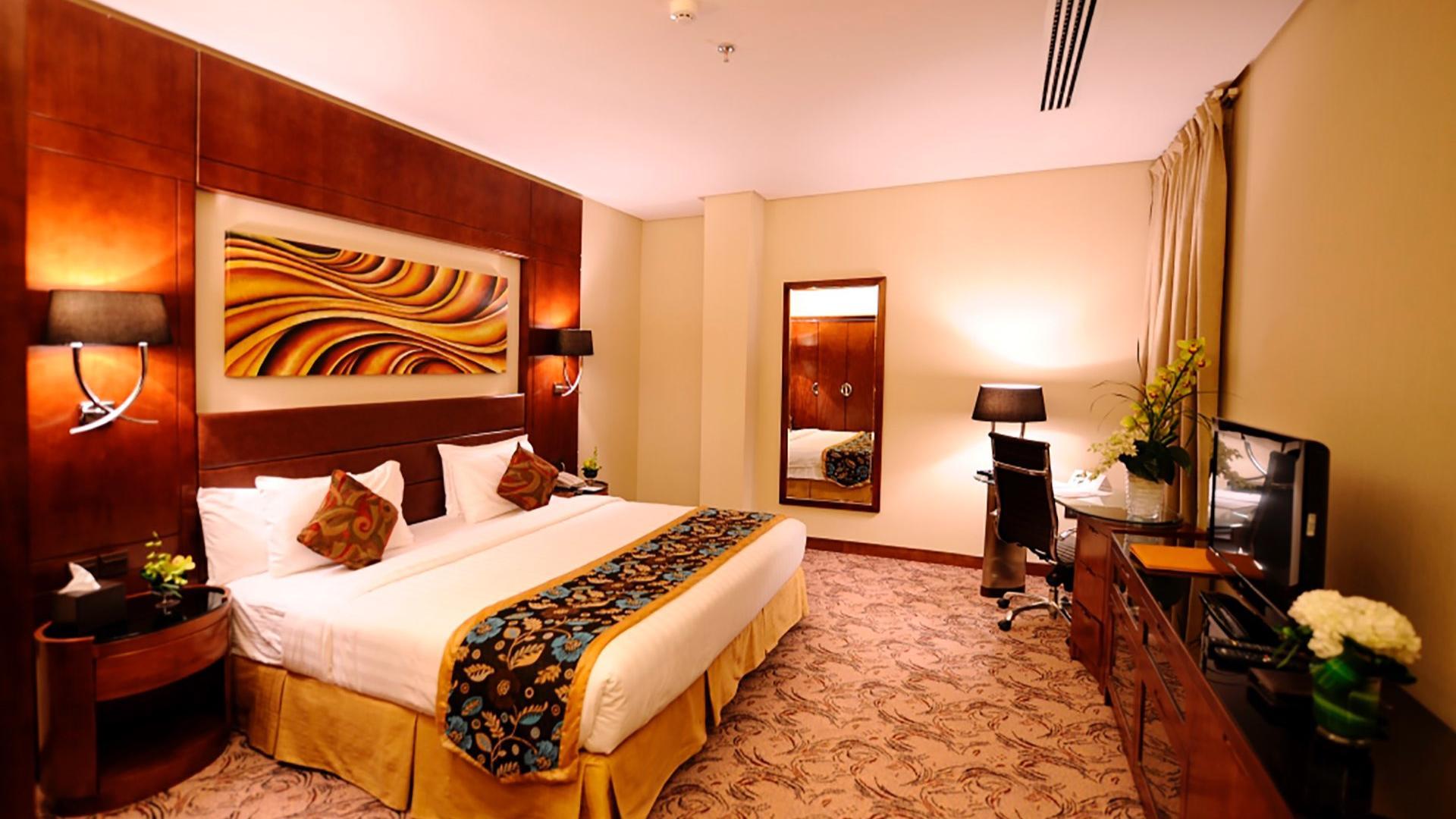 Superior Room at Al Hamra Palace by Warwick