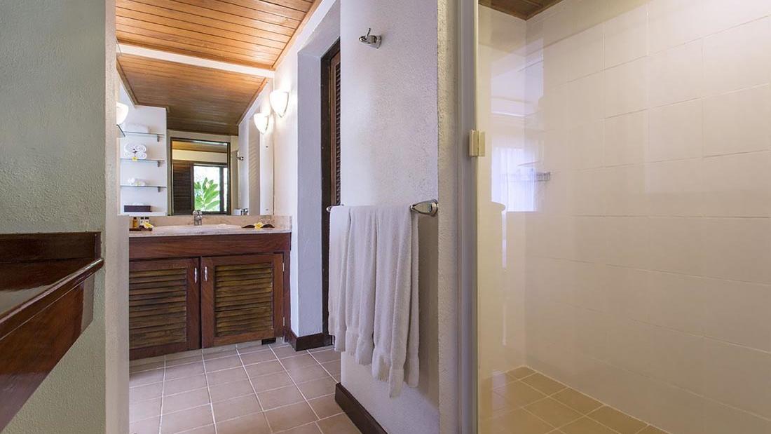 Lagoon Bathroom at Warwick Le Lagon Vanuatu