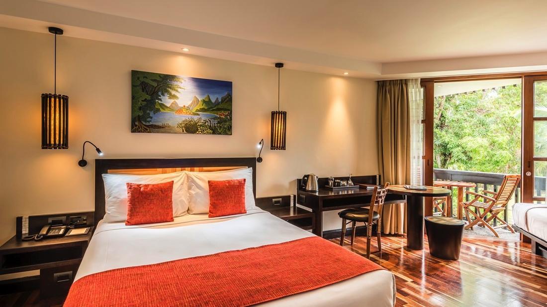 Guest room Queen single at Warwick Fiji