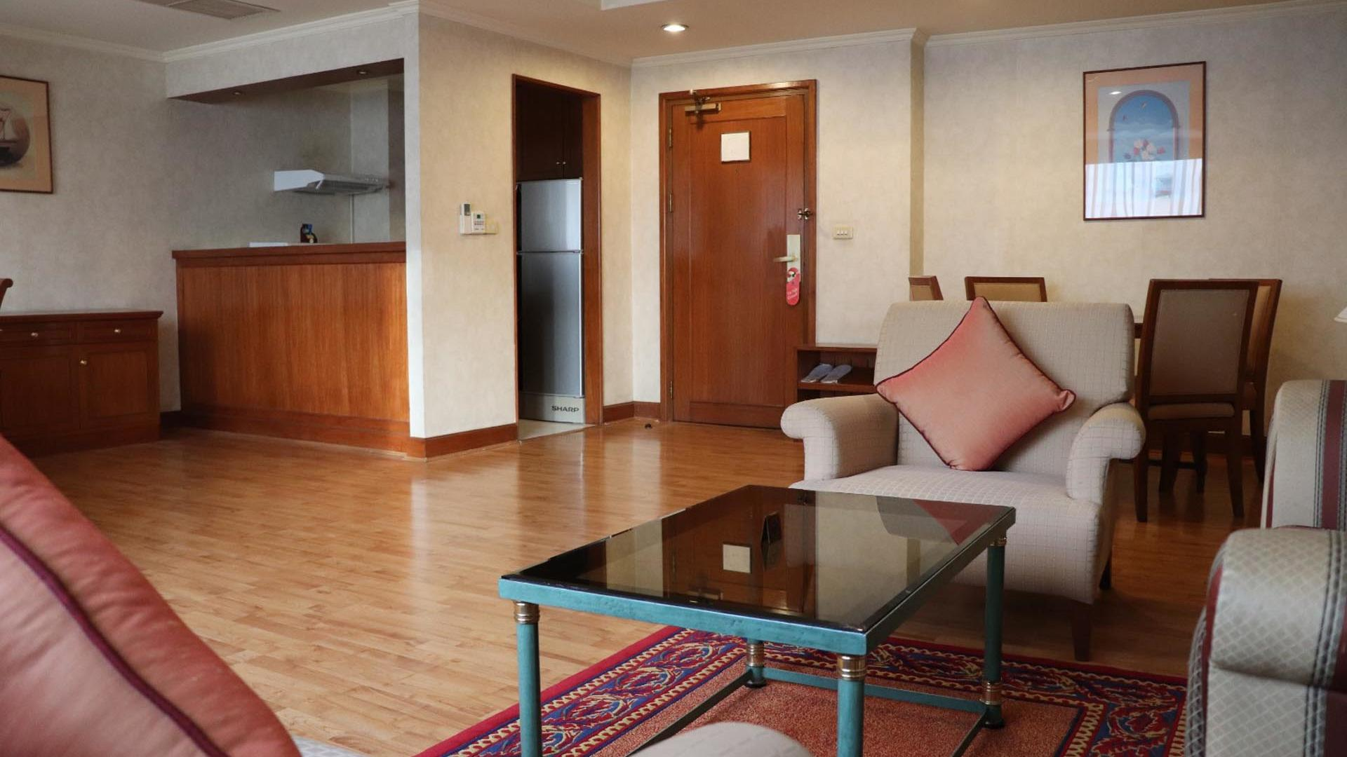 One Bedroom Grand Suite Entrance