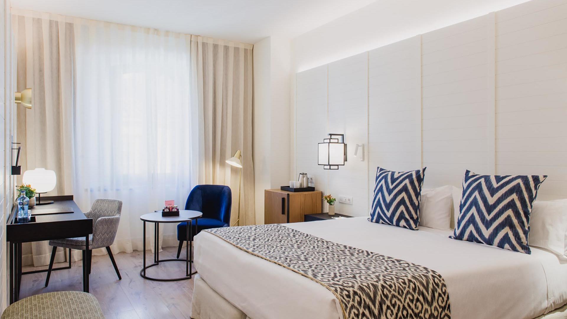 Hotel Molina Lario Superior Luxury Room