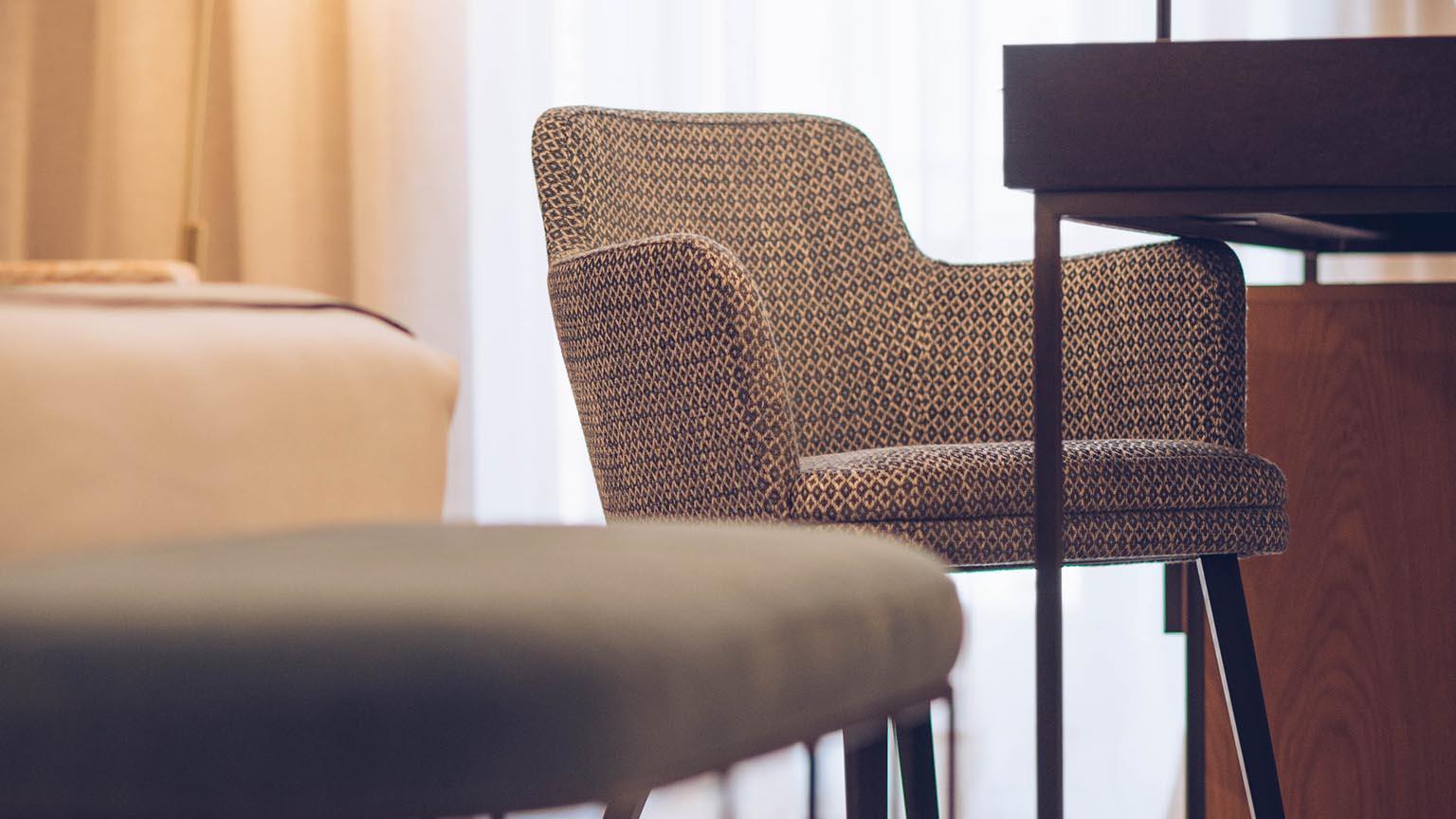 Superior Luxury Room Chair