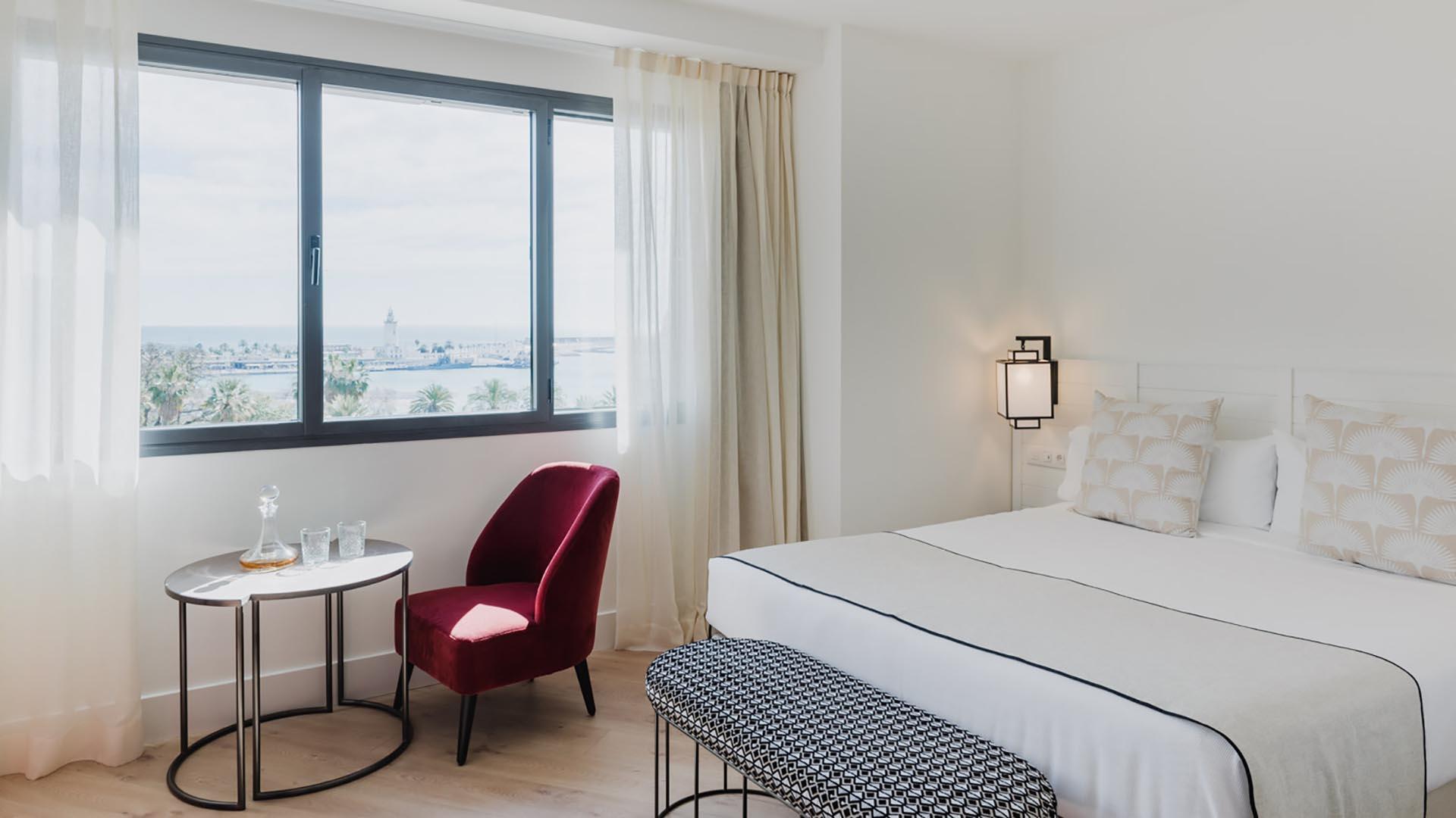 Deluxe Room at Hotel Molina Lario