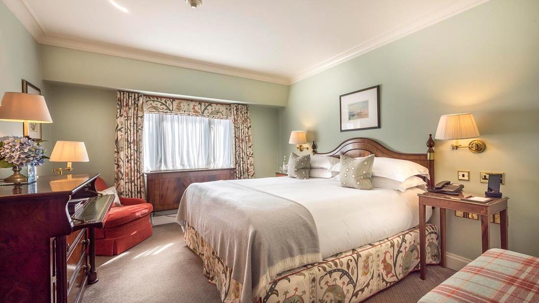 Premium King 262 Bed at The Capital by Warwick
