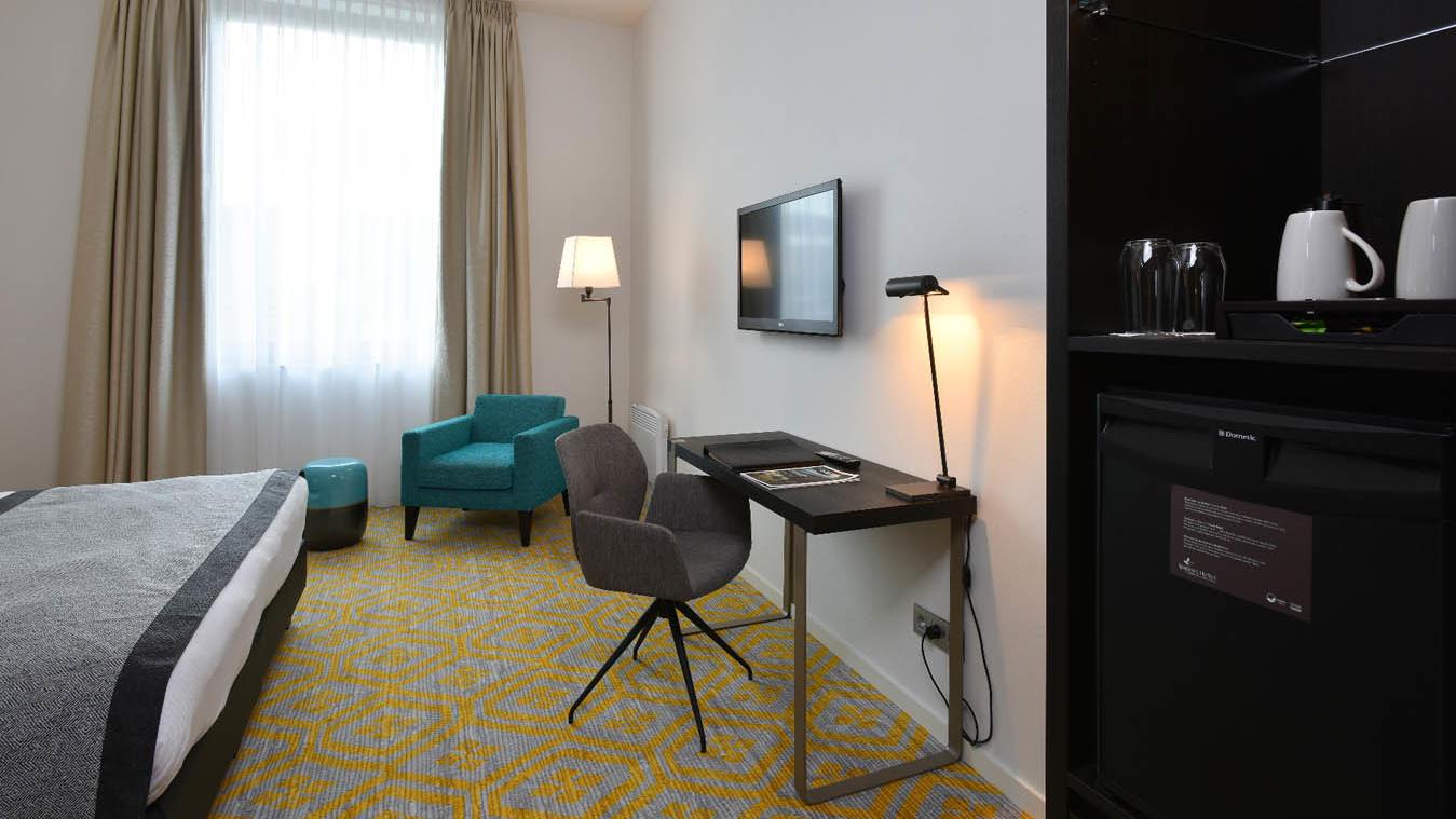 Charming Superior Desk Martins Grand Hotel