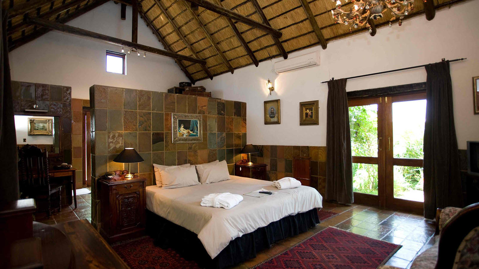 Royal room at Kedar Heritage Lodge by Warwick