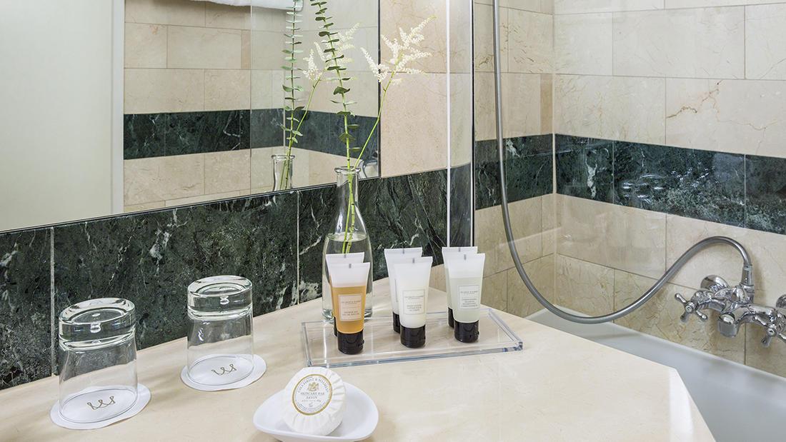 Penthouse Executive Suite Bathroom Amenities