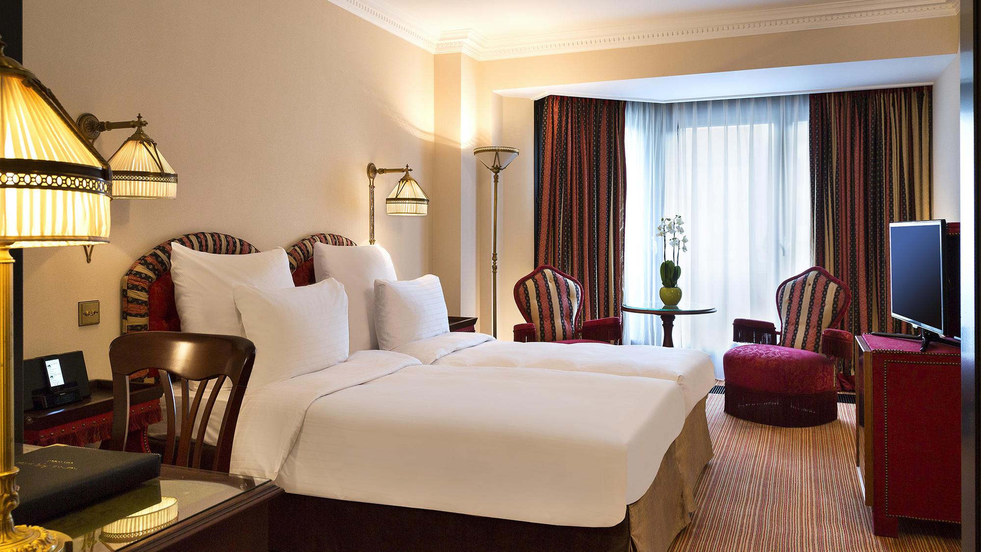 Premier room twin beds