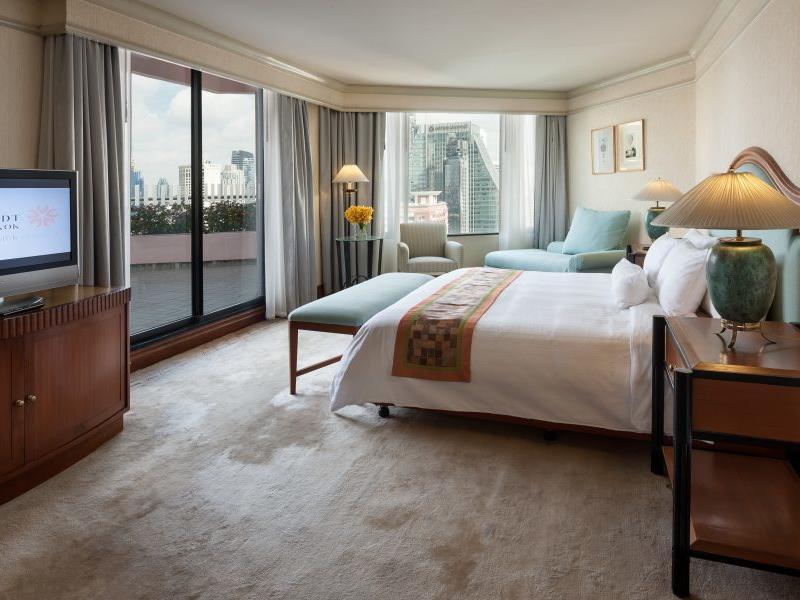 Presidential Suite Bedroom Rembrandt Hotel Bangkok