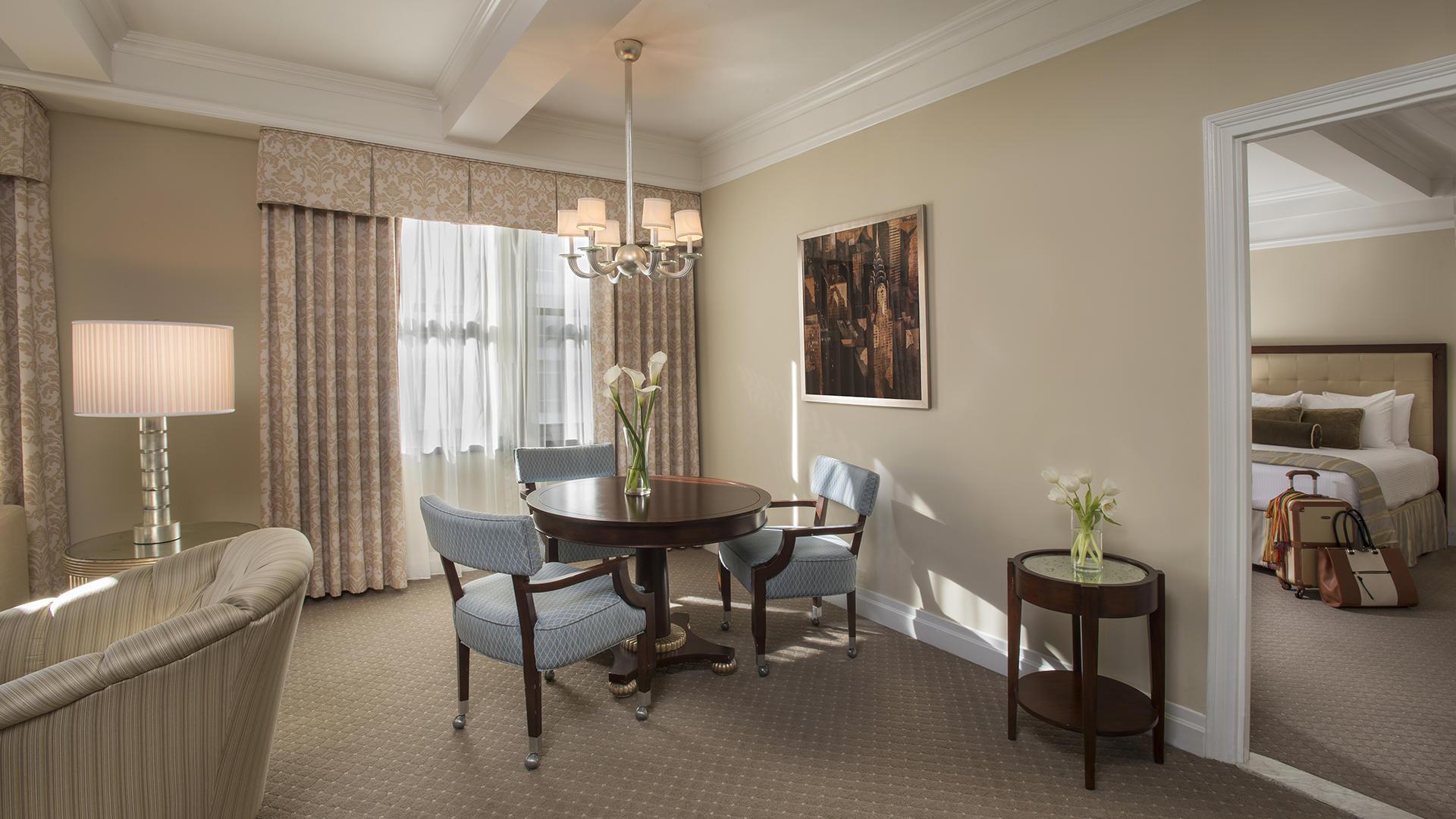 avenue suite living room