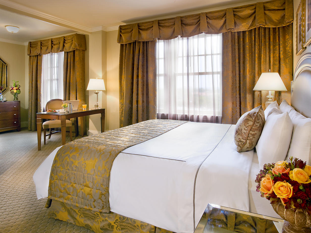 Accessible Deluxe King Room at Warwick Melrose Dallas