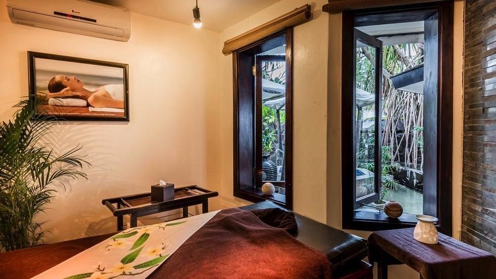 spa-massage-table-at-warwick-fiji-standard