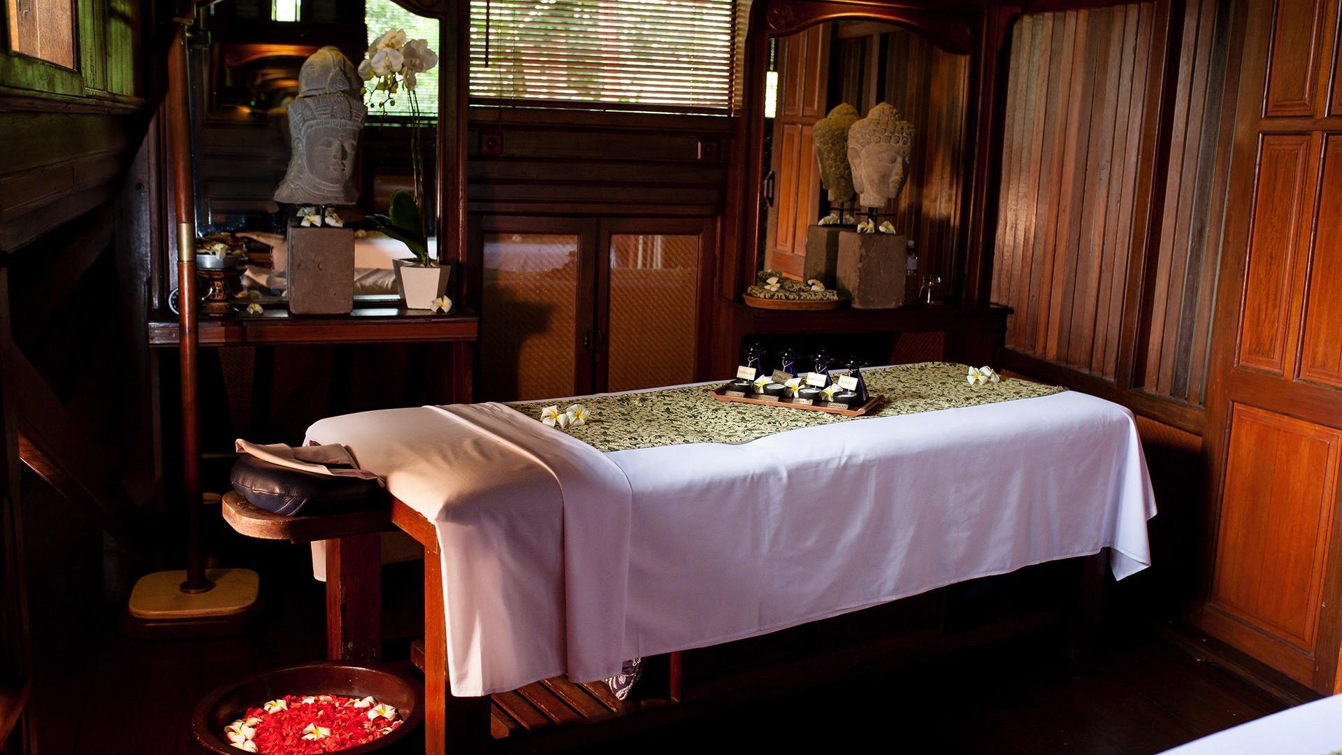 Massage Table at Warwick Ibah