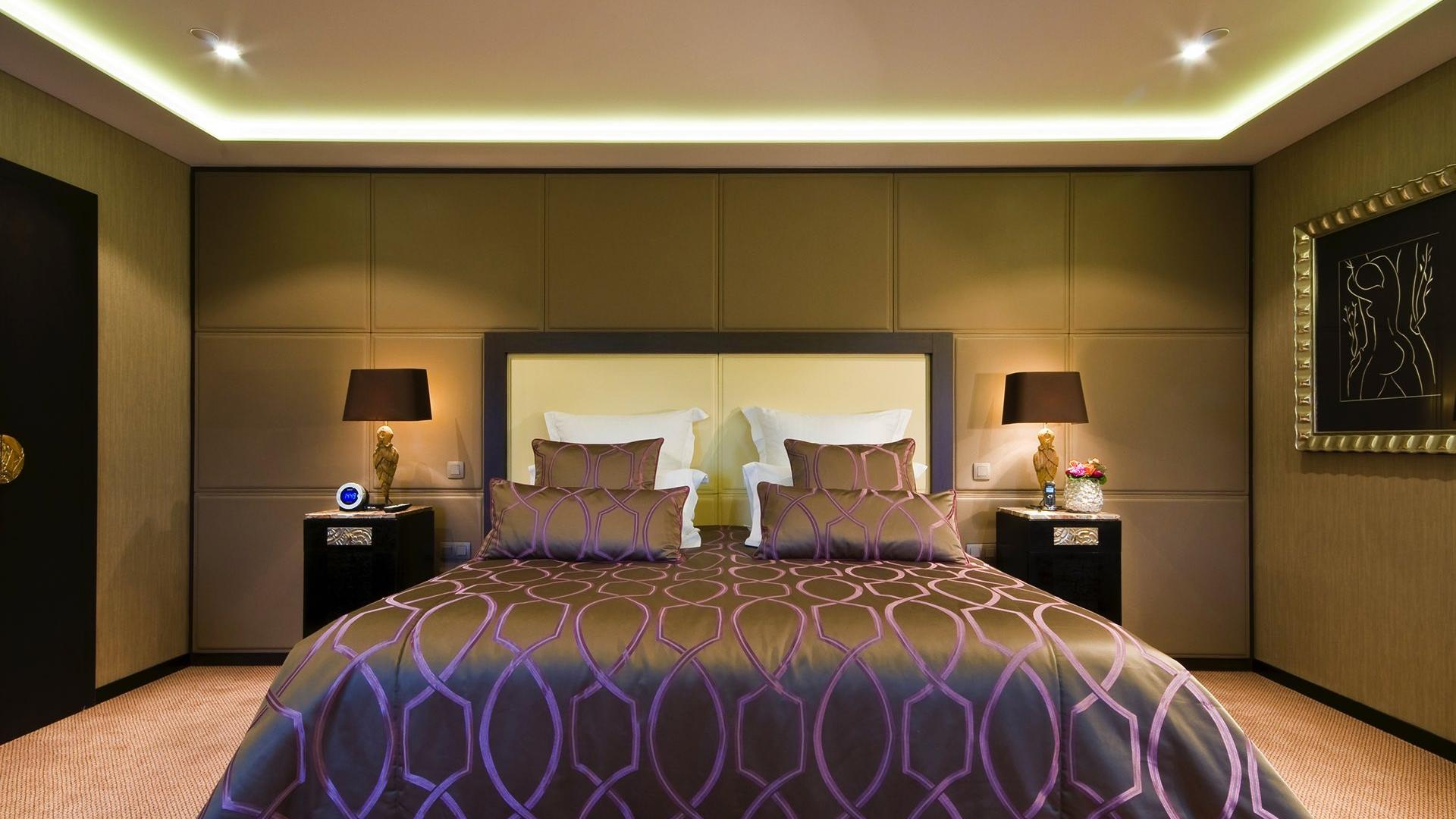Grand Place Suite Bed