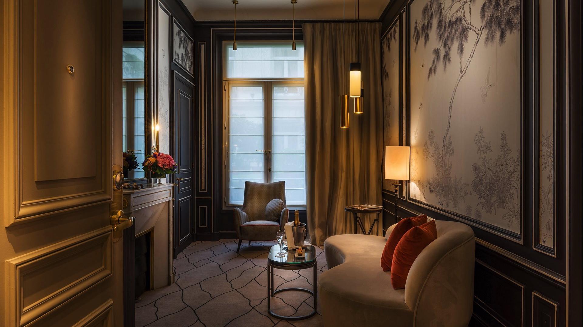 Suite _ Signature Suite Living Room 6