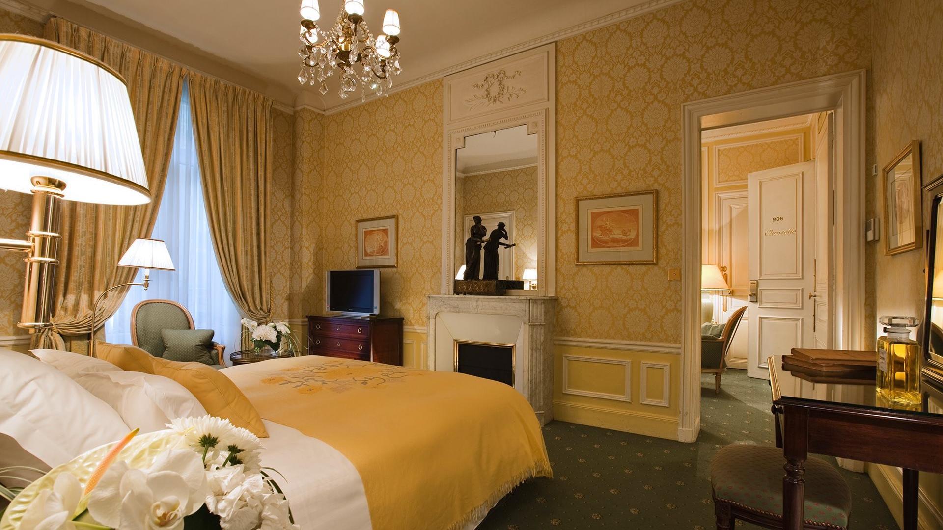 Suite_ Two-Bedrooms Saint-Honor+® Suite 2