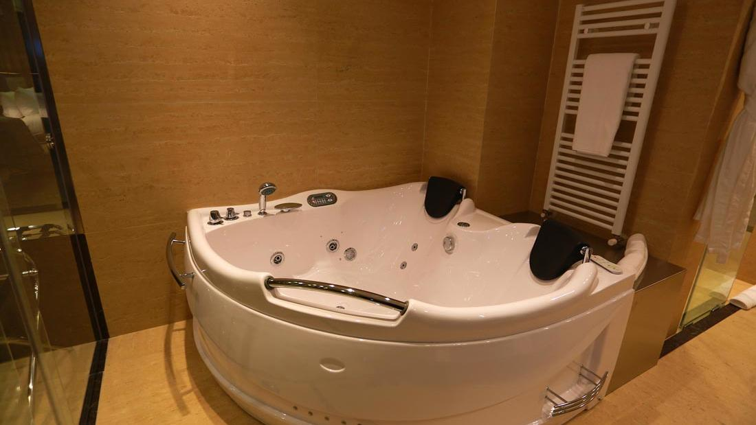 Executive Premier Suite Jacuzzi