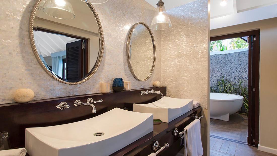 Efate Bathroom at Warwick Le Lagon Vanuatu