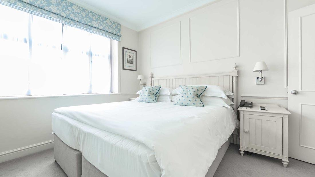 Bedroom Apartment at The Capital by Warwick