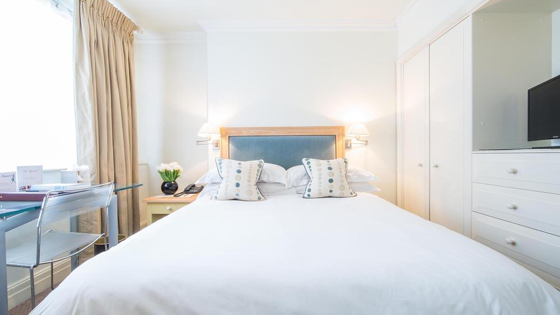 One-bed Apartment 506 Bed at The Capital Warwick