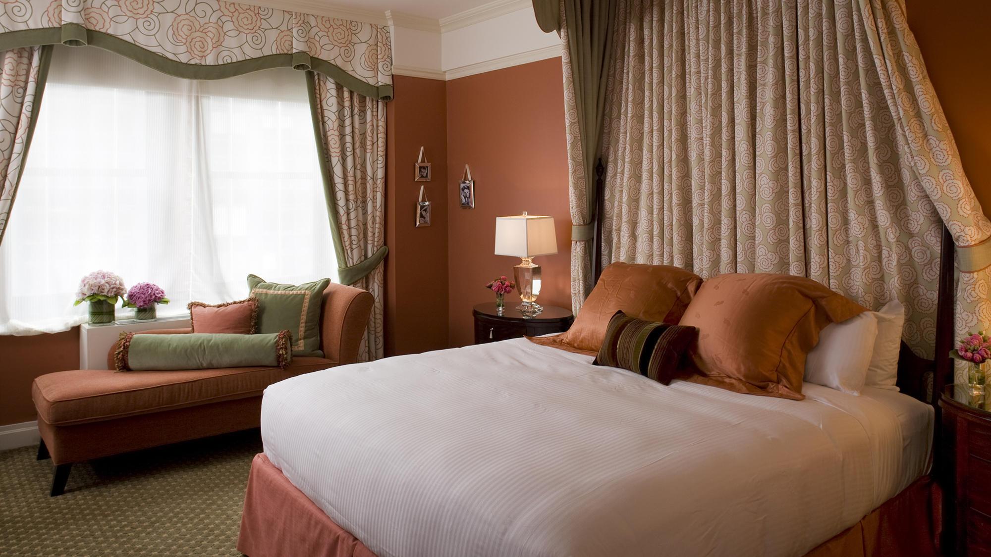 Hollywood Suite Bedroom
