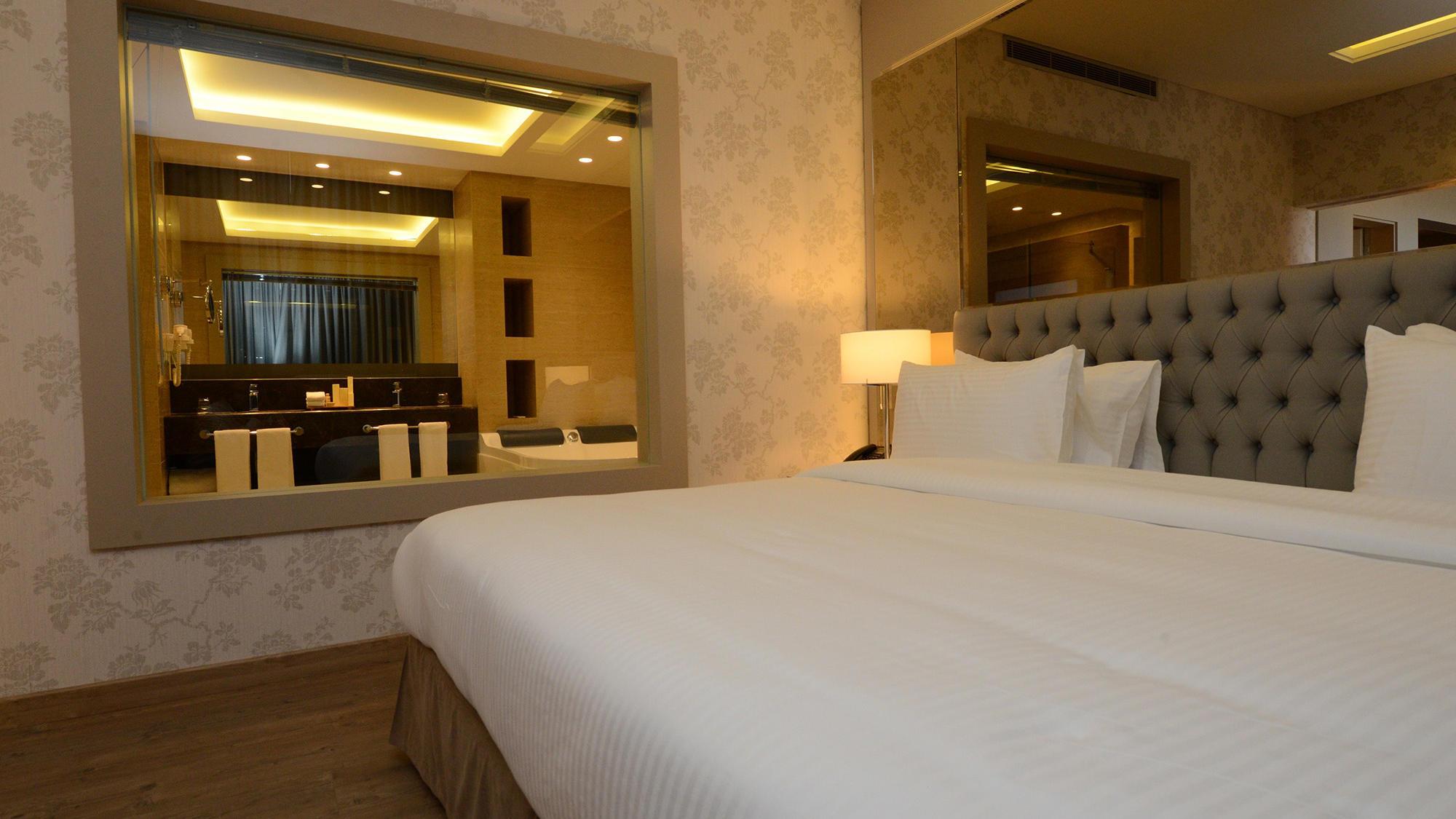 Superior Suite Suites