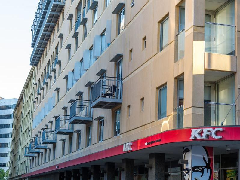 UniLodge @ Metro Adelaide exterior