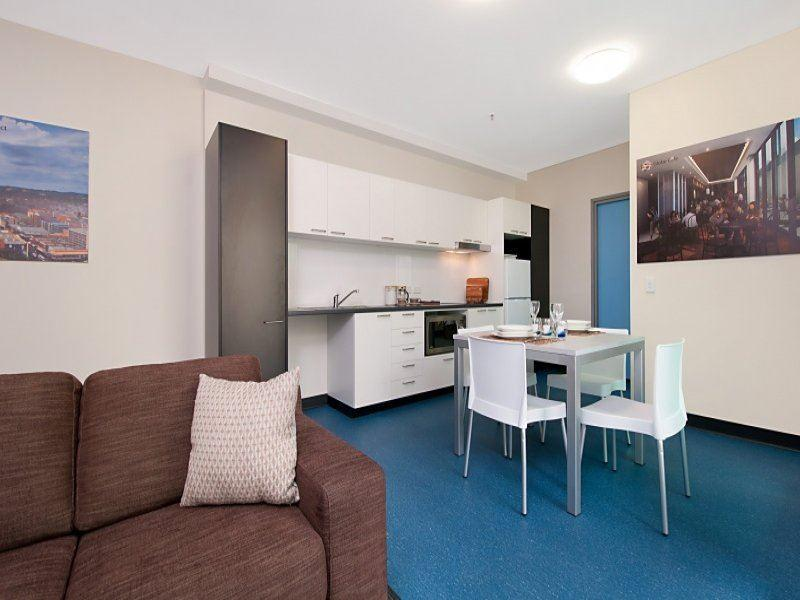 Student Living Edge Apartments – East End lounge and kitchen_Serviced Apartments Adelaide