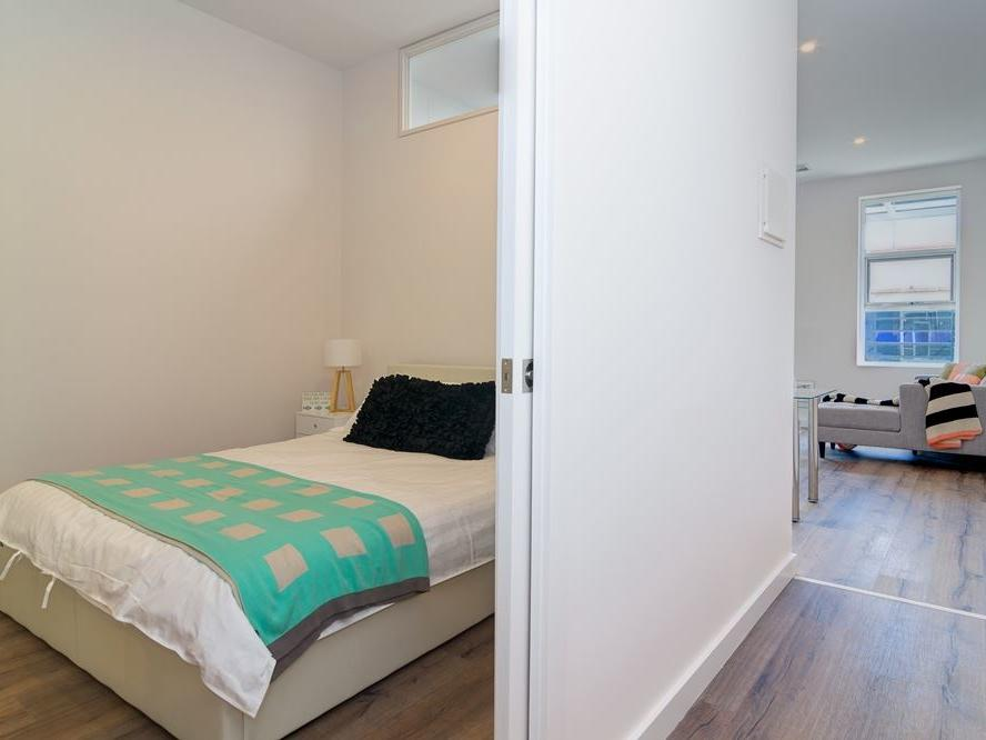 Student Living Thomas House Adelaide_Bedroom & Living Area