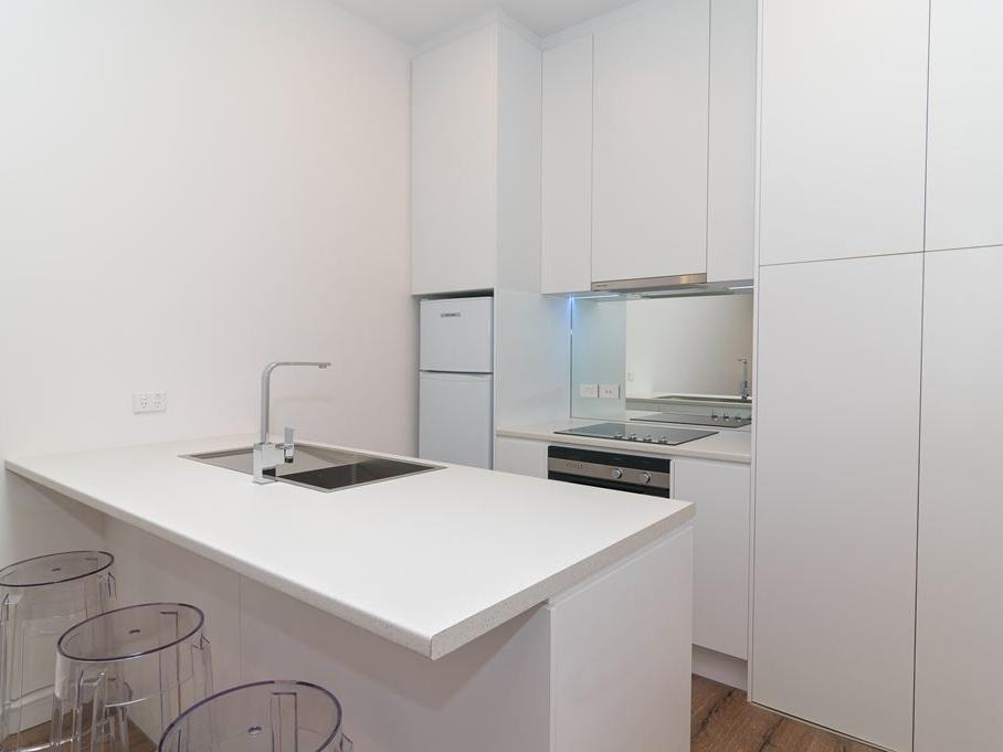 Student Living Thomas House Adelaide_Kitchen with Island Bench