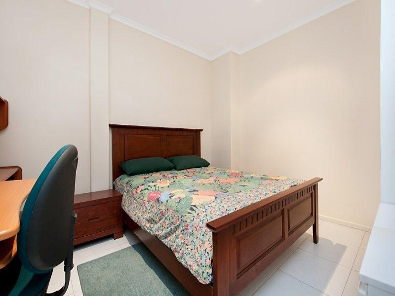 Adelaide Tower Apartments Bedroom