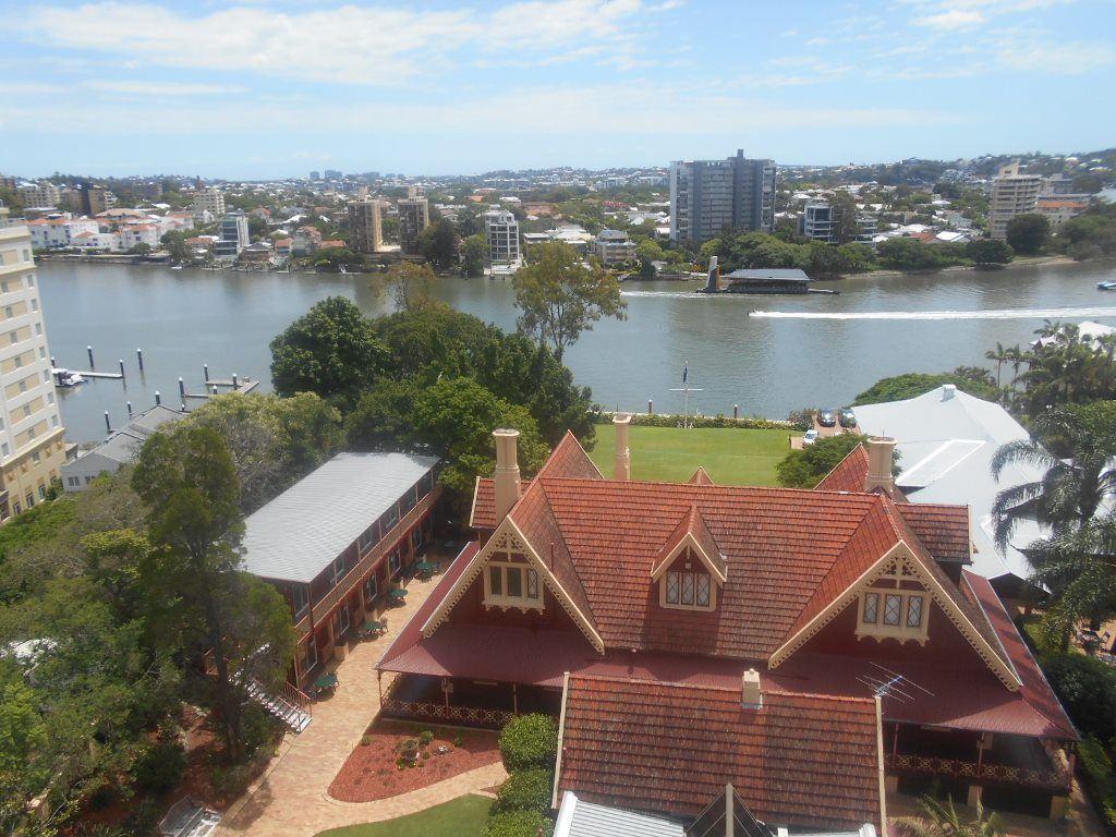 Shafston_Kangaroo Point River View