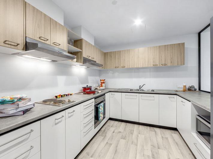 6 Bedroom Multi-share Living