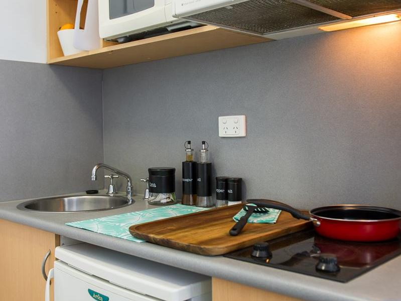 On Margaret _Double studio kitchen
