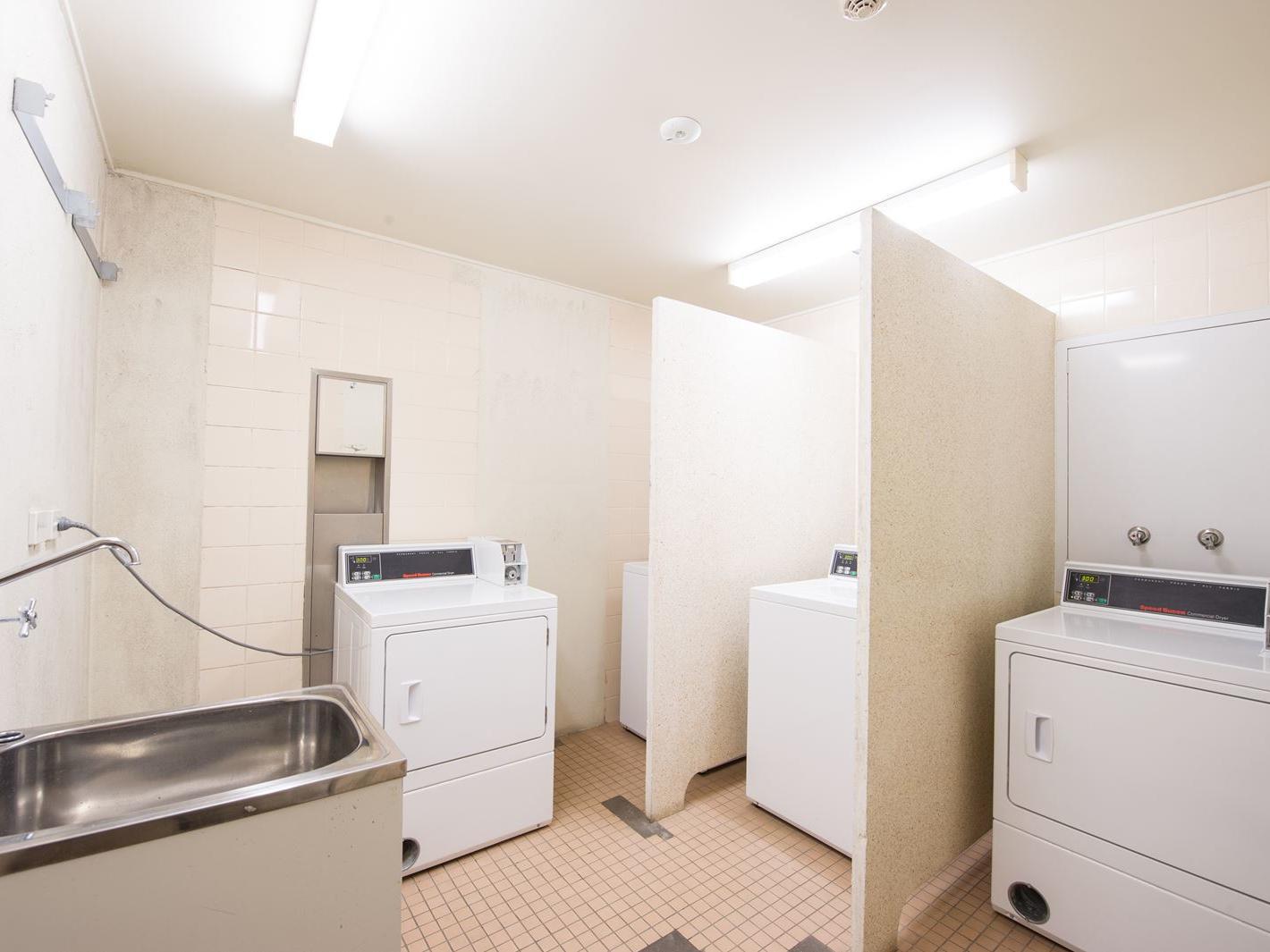 UniLodge Academie House_Studio Accommodation Laundry