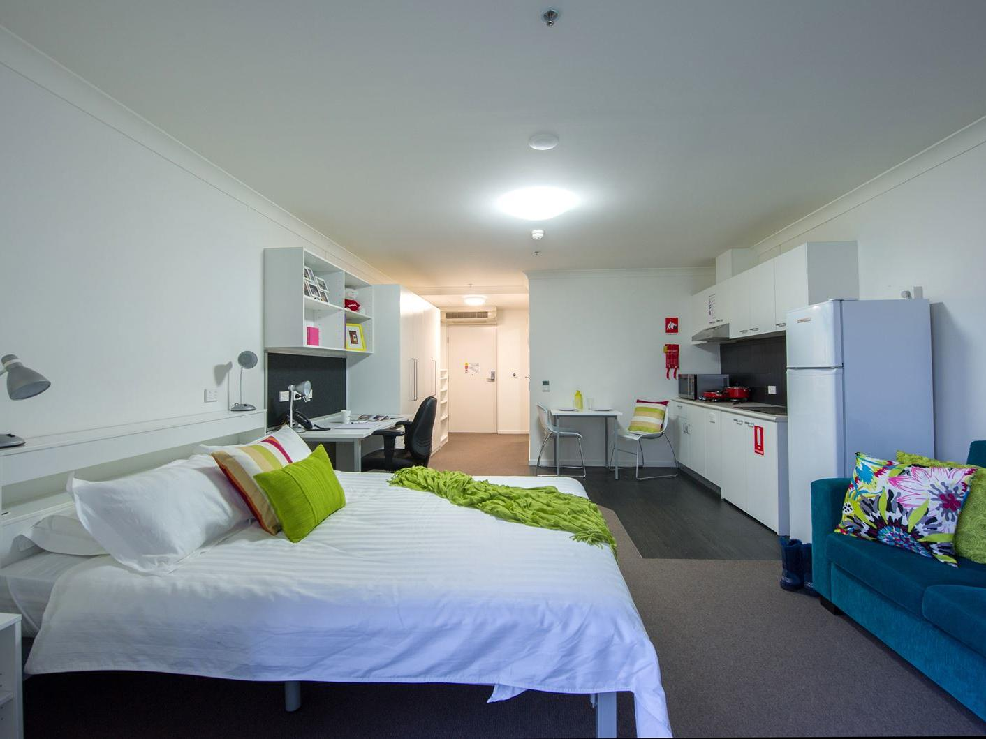 UniLodge @ ANU – Lena Karmel Lodge_Studio Accessible ANU Campus Accommodation