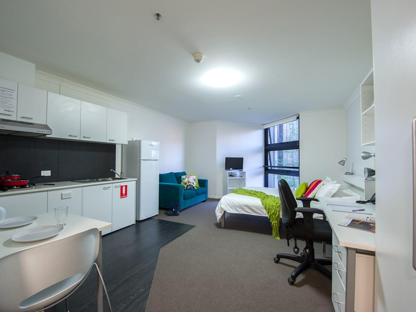 UniLodge @ ANU – Lena Karmel Lodge_Studio Accessable ANU Campus Accommodation