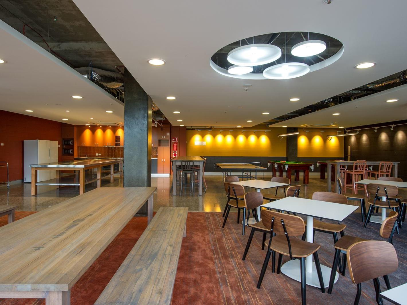 Darwin_Resident Lounge