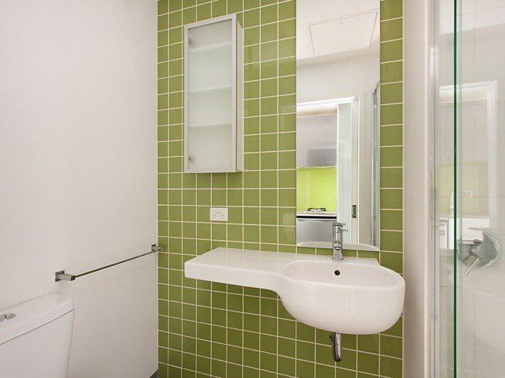 Studio Single - Bathroom