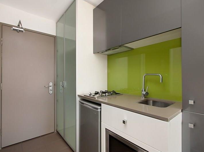 Studio Single - Kitchen