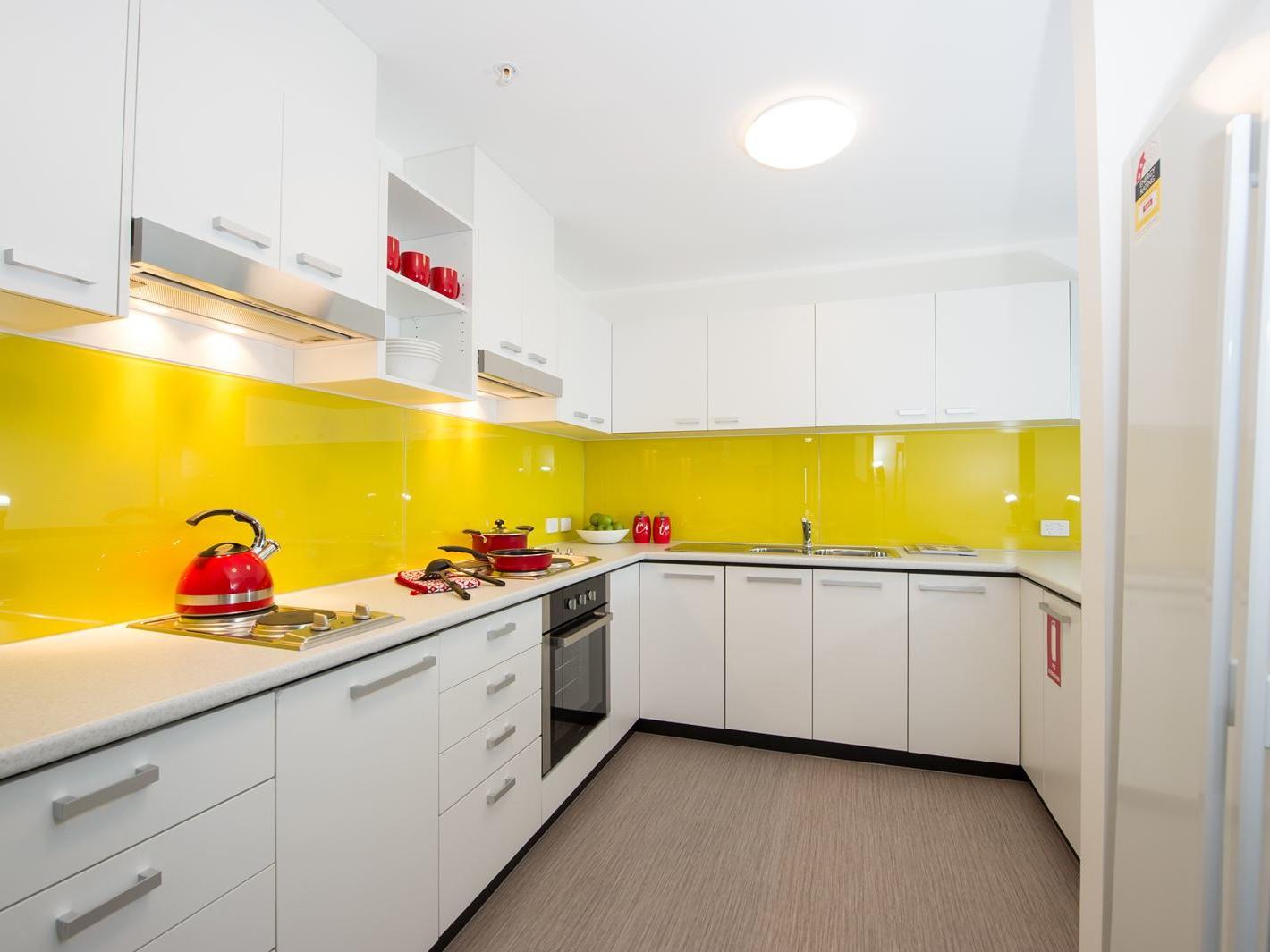 6 Bedroom Multishare Kitchen