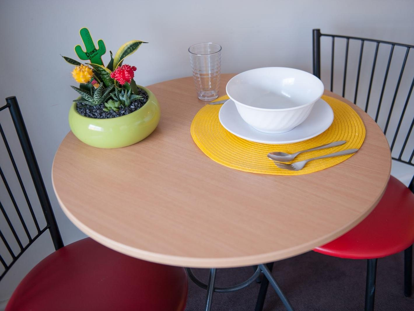 Studio Apartment - Dining Table & Chairs