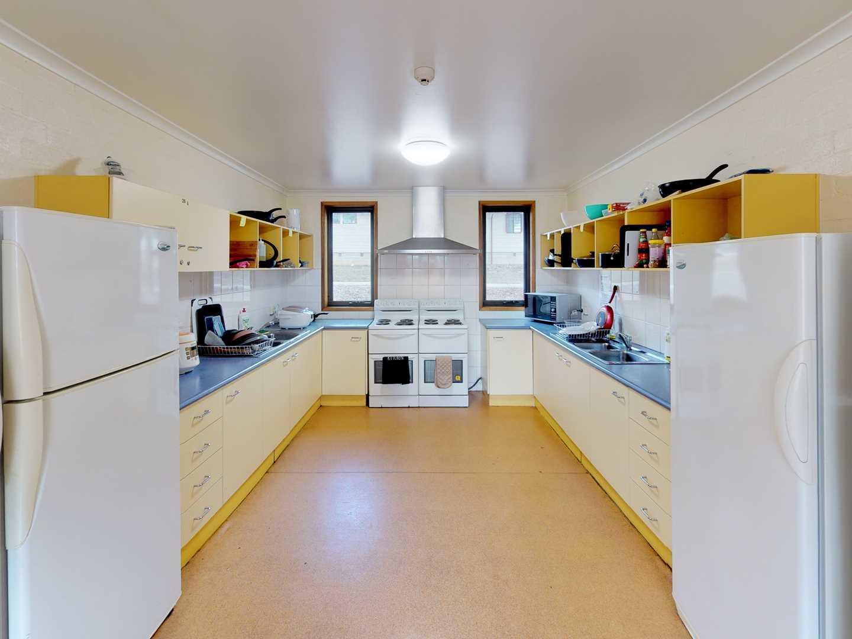 UniLodge-UC-Mulleum-Common-Space-Kitchen