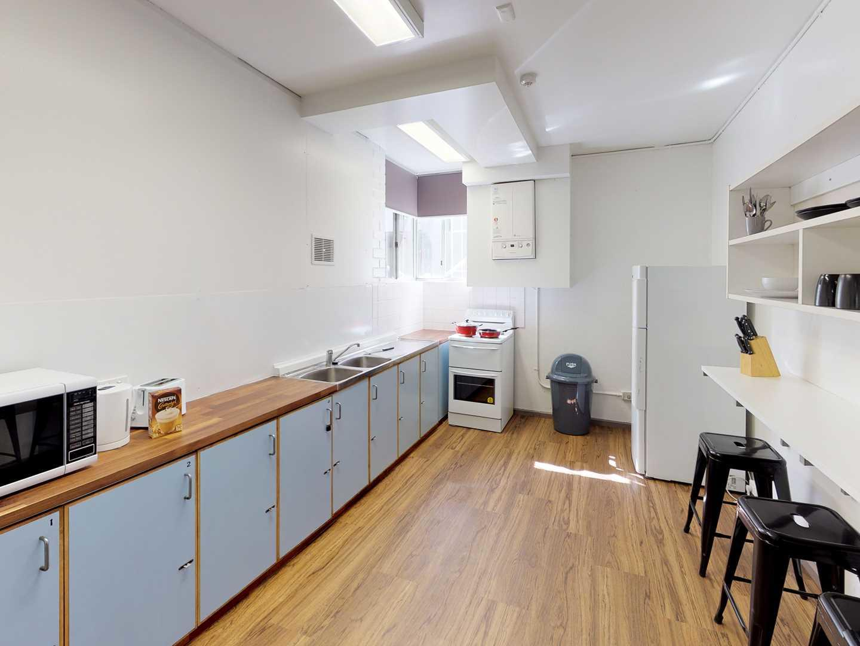 UniLodge-UC-Wagan-6-Bedroom-Kitchen